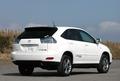 Если попытаться озвучить концепцию нового Toyota Harrier Hybrid, то я бы сказал так: «Машина-гибрид - экологически менее опасное транспортное средство. Но теперь это еще и мощное средство». Слабым местом внедорожников, мощных и тяжелых, всегда был повышенный расход топлива. Но сейчас эта проблема нашла свое решение.