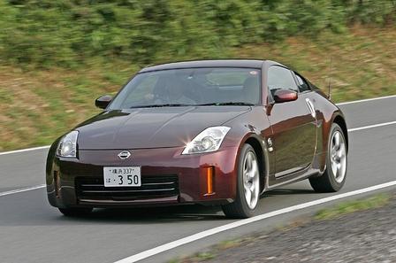 Если двигаться по крайне извилистой дороге на второй или на третьей передаче, то спортивный характер модели «Z» станет еще более очевидным. Потому что, что бы там не говорили, а высокая скорость острее всего воспринимается тогда, когда машина начинает последовательно выполнять один поворот за другим.