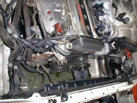 начало замены ремня ГРМ на двигателе Toyota 1G-GE